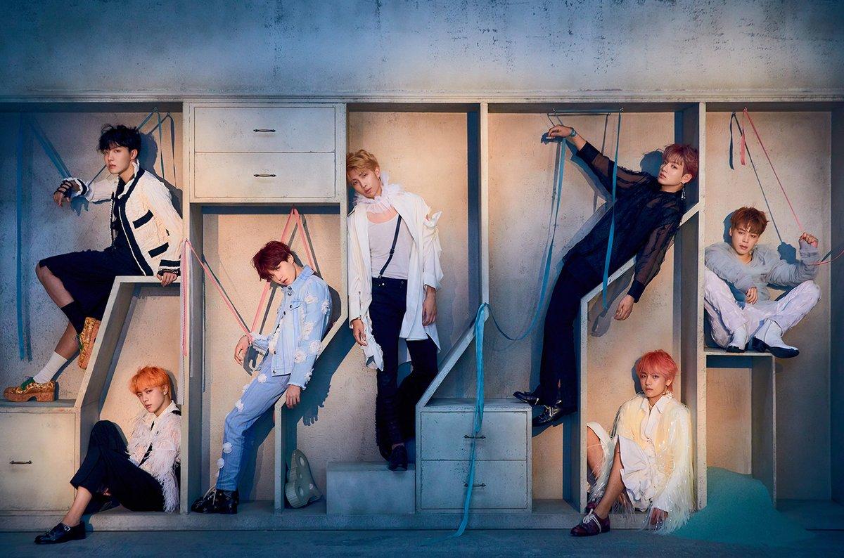 在2017年時底,他們曾獲邀出席全美音樂獎,更是第一個在該頒獎典禮表演的韓國團體,此次被提名「Favorite Social Artist」候補的防彈少年團,真的再次將韓樂推向高峰!