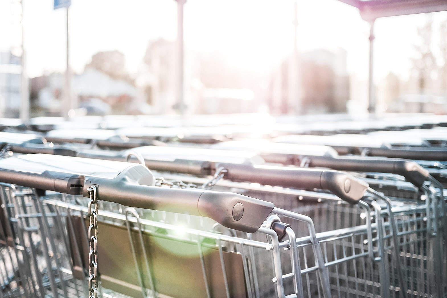 一開始超市都秉持著