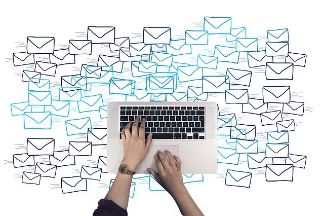 在韓國,從國外傳來的垃圾電子郵件數約增加了30%。垃圾信件中81%是從中國傳送而來。垃圾訊息的類型中,簡訊以非法賭博內容最多,語音訊息則多是不法貸款和電信業宣傳。