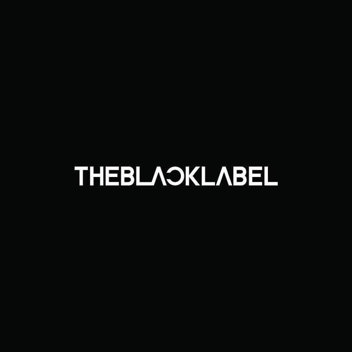 The Black LABEL還稱讚Somi是一位兼具才能和很有潛力的藝人。相關人員也透露為了能讓Somi趕快出道,比起女生組合,目前以Solo歌手方式進行的可能性最高。