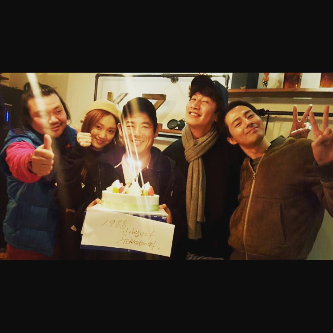 李光洙和趙寅成的友情可以說是韓國演藝圈很有名的「至親好友」,兩人在2014年合作韓劇《沒關係,是愛情啊》變成好兄弟,感情維繫一直保持到現在!