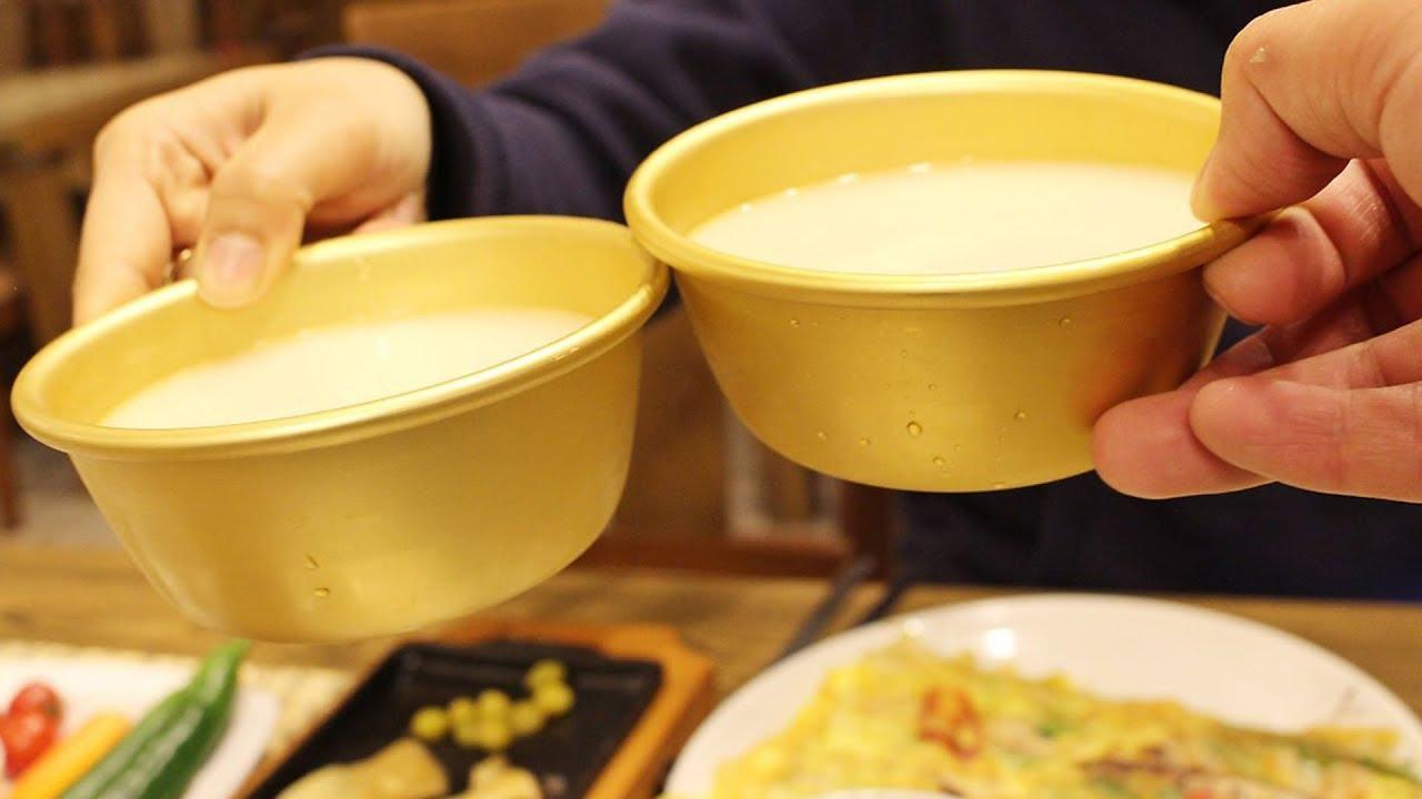 雖然現在市面上也開始出現其他顏色瓶蓋的米酒,但白色、綠色仍是有特別意義的喔!以後可以買來喝喝看,看你喝不喝得出兩種的不同處~~