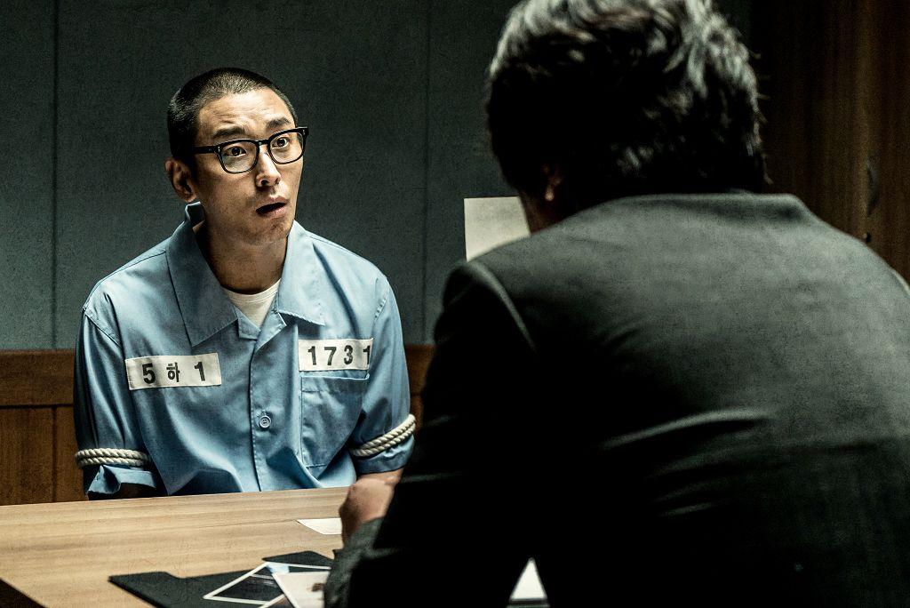 更令人驚訝的是,根據韓媒報導《七罪追緝令》隱射的嫌犯A某其實已經在監獄裡自殺了,A某是在2011年涉嫌殺害一名娛樂場所的女職員之後棄屍,被判有期徒刑15年......