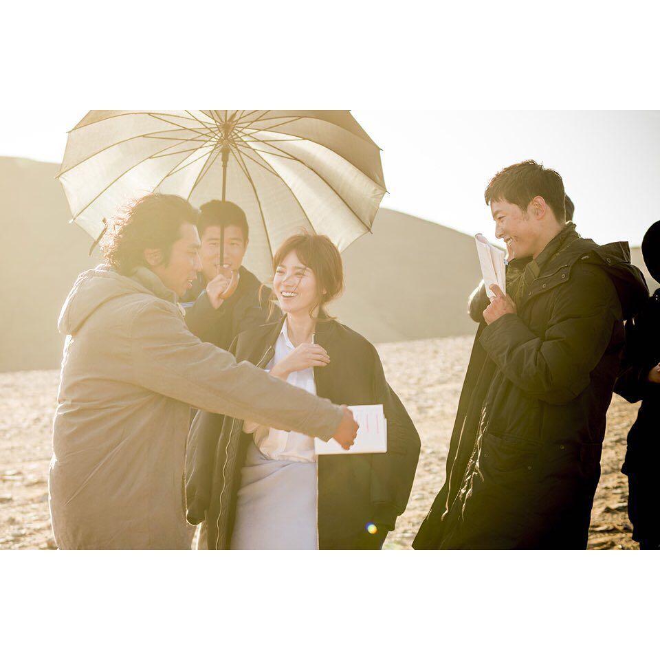 因為韓劇《太陽的後裔》戀愛最後結成夫妻的「宋宋CP」宋仲基、宋慧喬,成為人夫人妻之後人氣不減反升,兩人的婚後動向同樣受到關注。