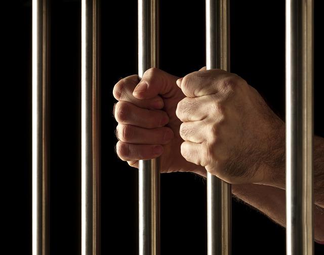 仁川地方法院將一位因為口角爭執而將妻子用凶器刺殺的A男(38歲)以殺人罪處16年徒刑。