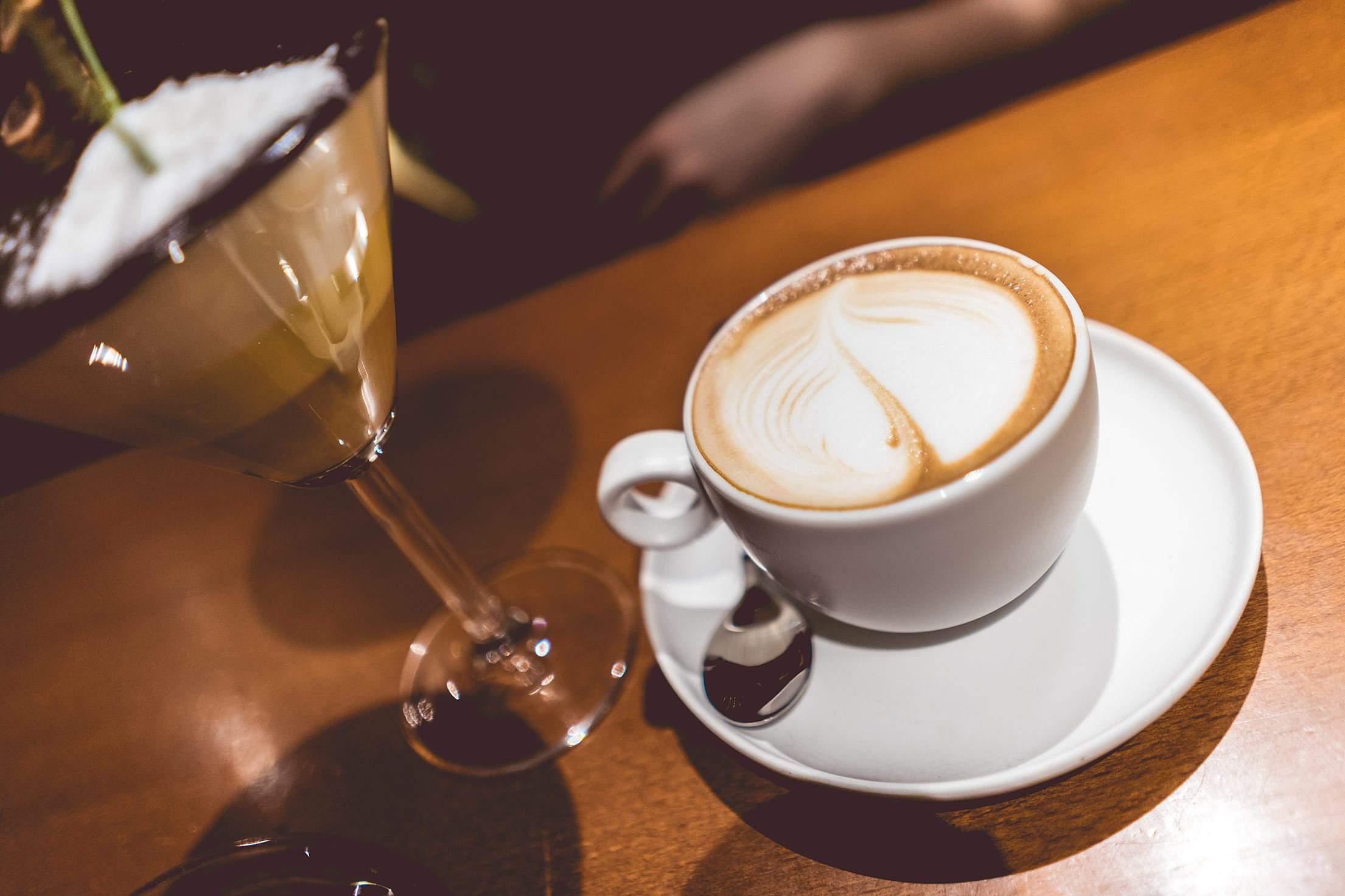 隨處都可以見到咖啡店的蹤跡,那是不是表示韓國人非常愛喝咖啡呢?