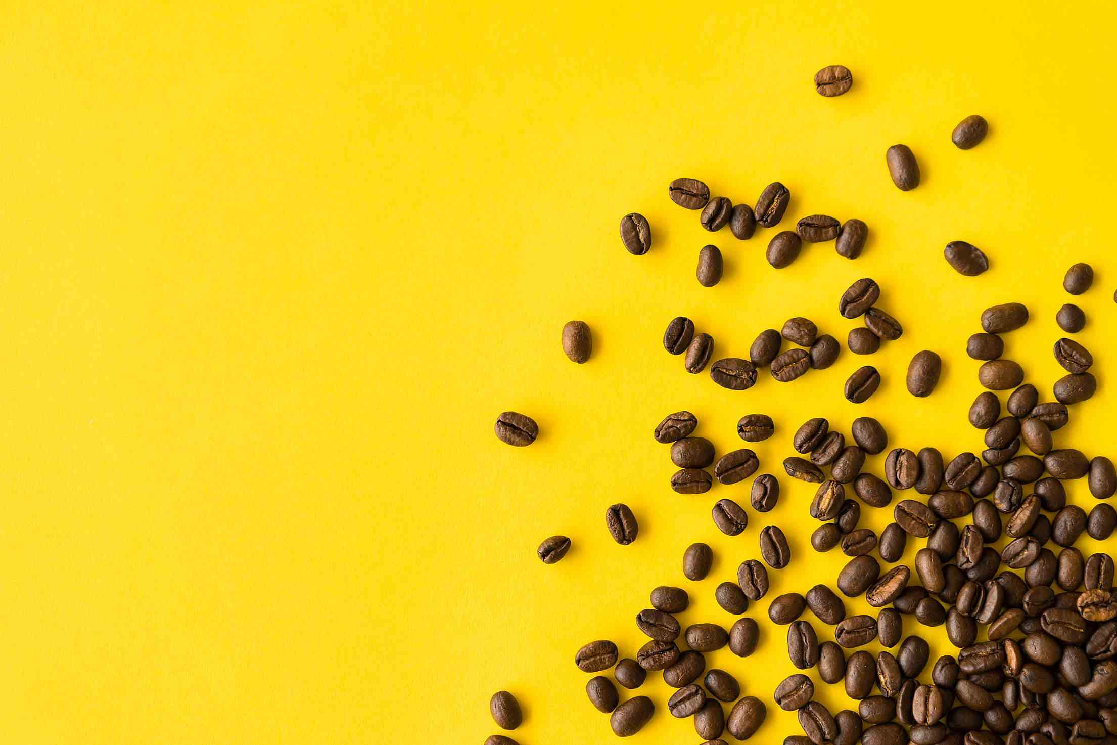 原來韓國人不只是對酒精中毒,對咖啡的依賴也這麼高呢! 只能說壓力真的很大啊~~~