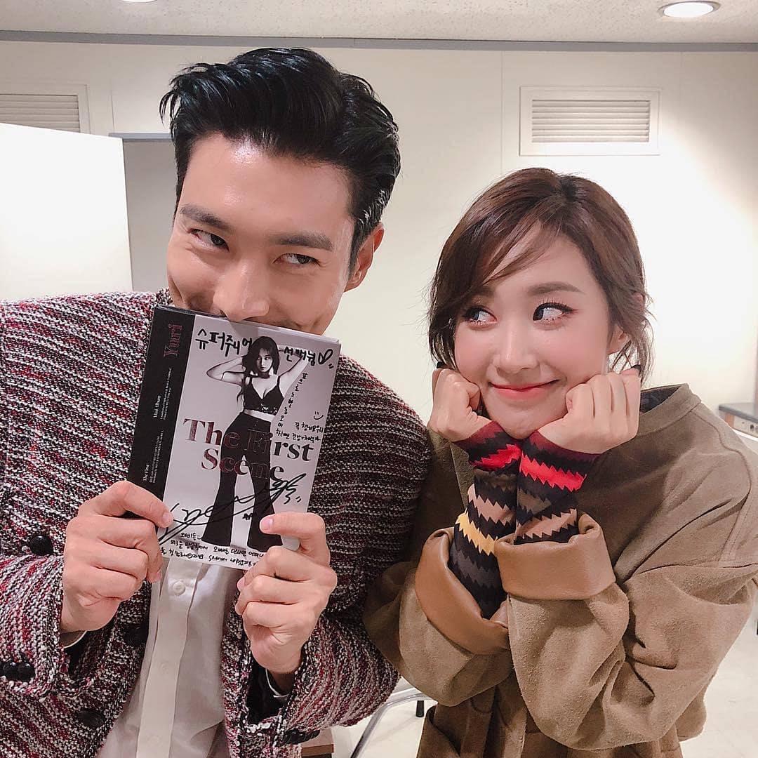 除了團員魂,SM的家族魂當然不會少,和少女時代出道時間早了2年的SJ,友好程度粉絲都知道。