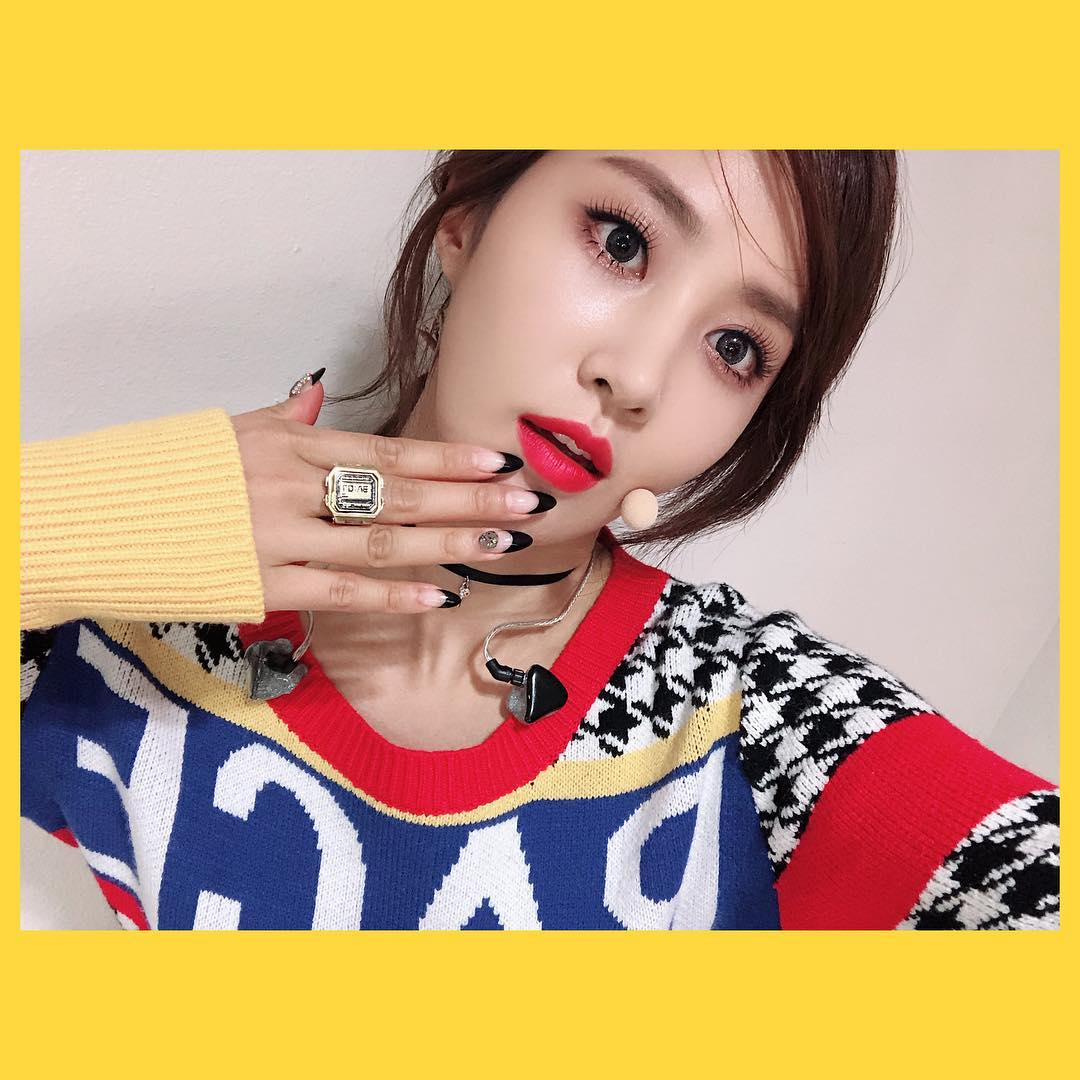 少女時代的話題除了終於推出官方手燈,出道超過10年的俞利也終於出了solo專輯,最近正在跑宣傳活動和音樂節目。