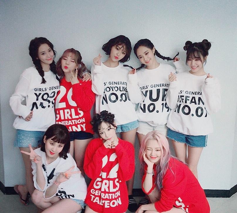 雖然和SM續約的人只有太妍、Sunny、孝淵、俞利及潤娥,但其餘成員都多次向大眾傳達出少女時代不會解散,希望能在等到下一張全體專輯呀!
