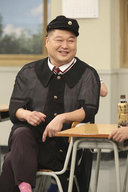 且姜虎東復出後的節目成績都不如以往,主持過的許多節目都一一被廢除。還好他靠著《認識的哥哥》再度重回國民主持人的地位。