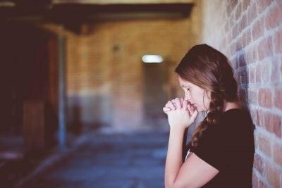 """明明是甜蜜的戀愛ing,但在某個瞬間,跟我在一起的情人沒有心情不好,卻還是看起來很沉悶?尤其對方說了""""你好像不愛我""""的時候,他也許是「缺乏愛情」的關係。"""