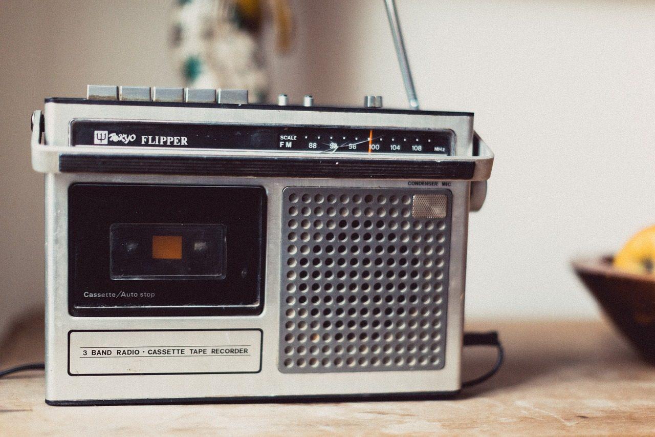"""3.只會播放""""加油""""的錄音機  遇到挫折,有時候我們只是需要時間來沈澱 但會有種朋友,也沒有要問你到底發生了什麼事 只會反覆的說著:加油喔!"""