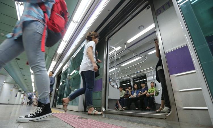 """到底應不應該禁止一般乘客使用""""孕婦博愛座""""呢? 台灣又是怎麼樣的勒? 翻譯wikitree"""