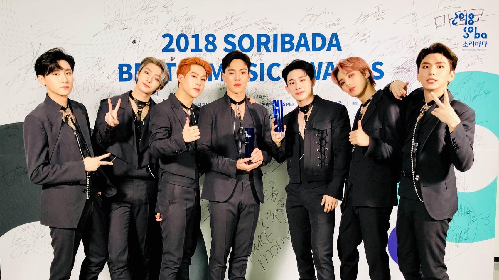 MONSTA X成員也提到這次二巡明顯感受到全球對K-POP的關注度提高,當地媒體對待韓國偶像的方式及規模也都產生了變化,甚至還會有知名人士主動要求自拍或要電話,讓他們非常驚訝!