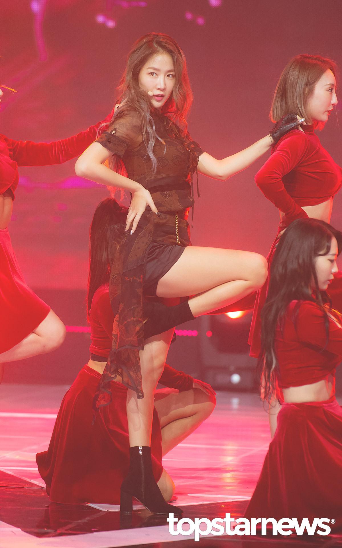 #韶宥 擁有沙啞和感染力嗓音的韶宥,還親自參與了新專輯《PART.2 [RE:FRESH]》的製作 ,主打曲《ALL NIGHT》帶來和前一次不同的性感美,讓大家更加沈迷於她的魅力啊!