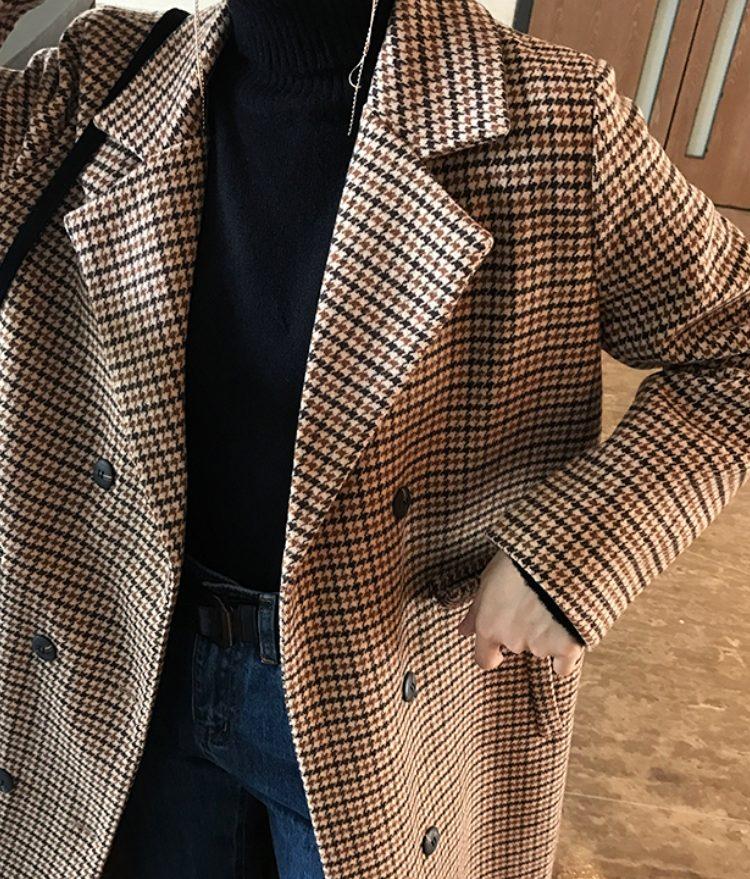「KELIFAN酒午:KELIFAN 格子外套女长款2018冬季新款韩国复古气质百搭夹棉呢大衣」 今年依然流行格紋的單品,格紋外套絕對不能少,尤其是常版的大衣一定要來一件啊!如果看膩了大格子的單品,選擇這種復古的小格子單品看起來是不是更有氣勢呢?