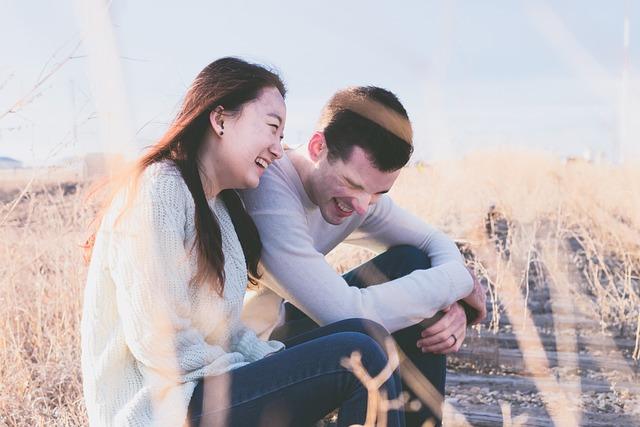 8. 就因為是我的女朋友 「也不需要其他理由,就只因為是我的女朋友這件事就很開心,就覺得她很漂亮。」 「就算什麼事都不做,看著漂亮的女友的話就再次愛上她了。」