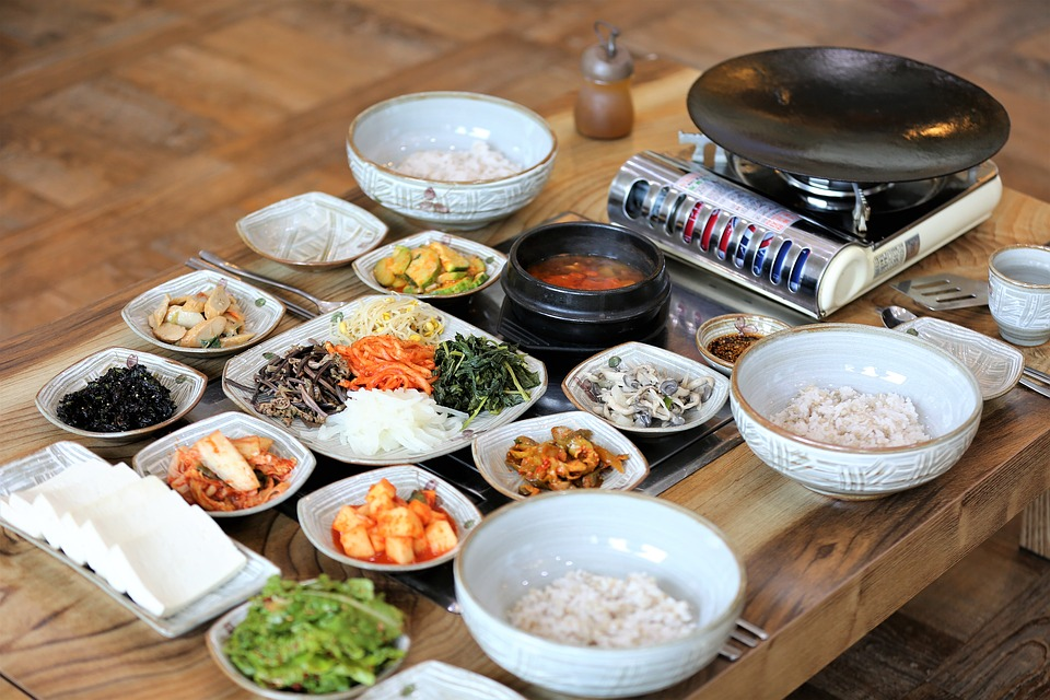 5.沒有免費的小菜 像韓國一樣免費的餐巾紙、水、小菜,在中國是要付費的。 使用配置的衛生紙一般收取1塊人民幣(約160韓元) 如不需使用衛生紙,需事先說清楚喔!