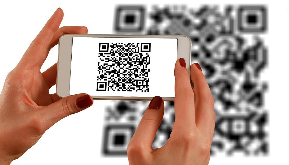 1.QR code 在中國不論是店家、市場、甚至是不起眼的路邊攤,都能輕易發現QR code。透過掃二維碼付款,可說是十分常見。但是辦理手續繁瑣,不適合觀光客使用,推薦還是刷卡或現金付款就好囉