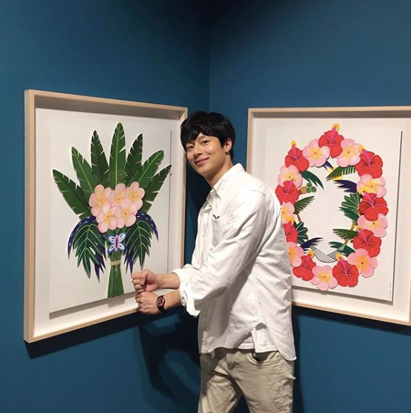 金忠宰是旗安84的大學後輩,現在是個設計師,平常除了作畫以外也會自製傢俱。