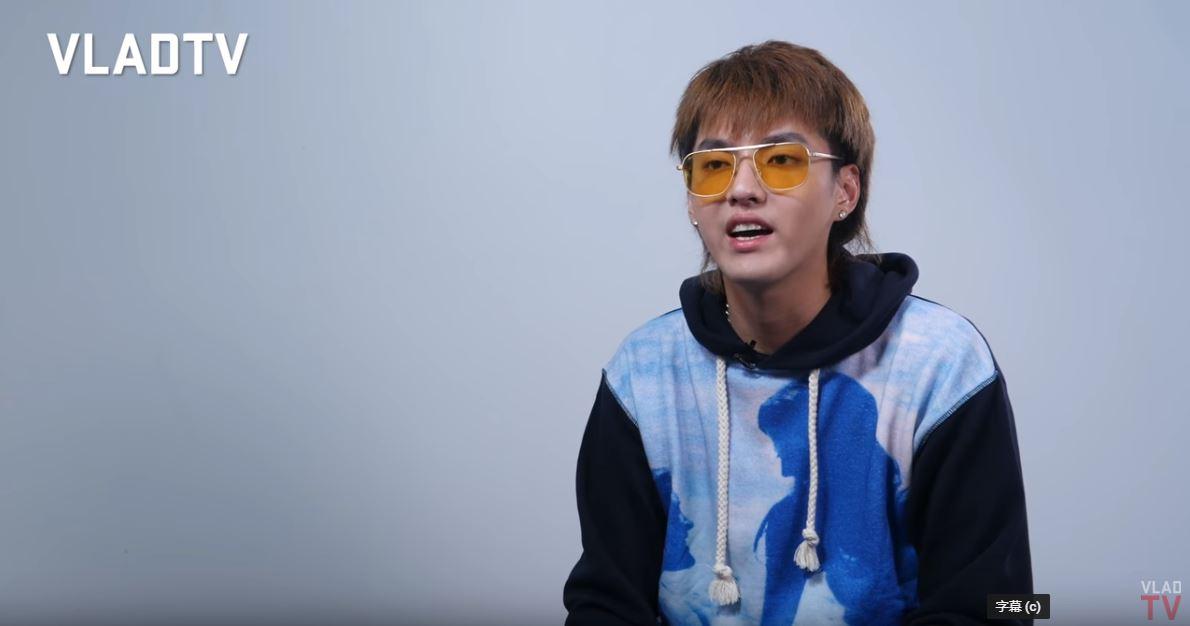 此外吳亦凡也提到自己參加SM徵選後的感想,他表示當時參加徵選選上後,雖然熱愛音樂,但在那個年紀他根本不知道怎麼做,進了EXO之後就只能待在那一直工作,也提到:「中國是個很大的市場,所以我猜他們(SM娛樂)想要讓這個男團可以在中國表演,活躍在亞洲,所以他們想要我在這個團體裡。」道出當時小小年紀的徬徨與無奈。