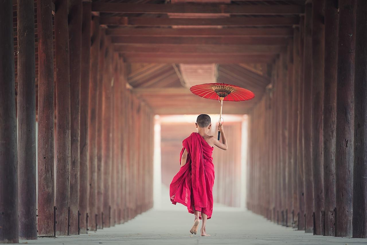 4.夢見高僧或是佛祖 如果在夢中遇到高僧,真的是非常非常好的夢唷 ! 夢到高僧表示你被佛祖眷顧了! 之後努力朝著目標努力,都能實現, 如果是在找工作的人,也很快就能就職。 但是如果夢到苦行僧和破戒僧,事情就會完全相反...