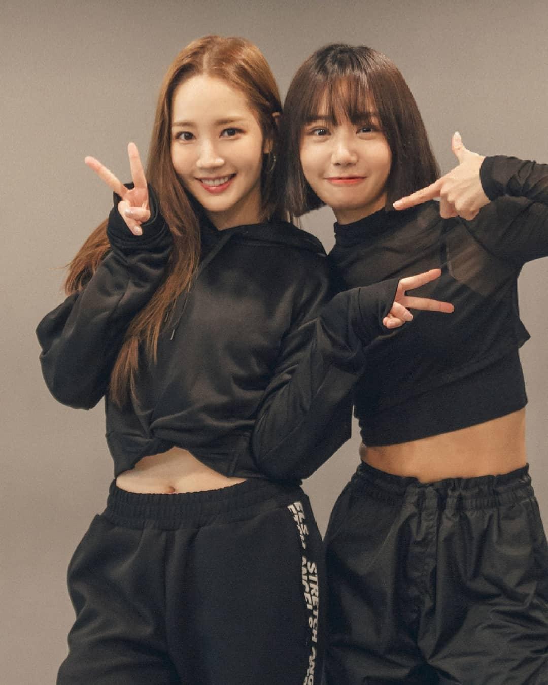 這次朴敏英的舞蹈老師就是韓國超有名的舞蹈教室「1 Million Dance studio」裡的老師May J,兩人驚喜合作吸引許多人觀看!