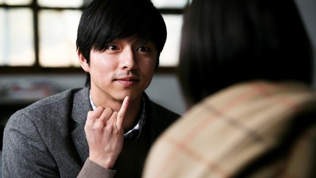 再來也是由孔劉主演的這部《熔爐》,改編於韓國真實發生的「虐兒性侵」社會案件,是非常沉重又黑暗的一部韓國電影。而這部電影甚至在《屍速列車》上映後在台灣二次上映,但也不少人直呼「太心痛了!沒辦法再看第二次。」