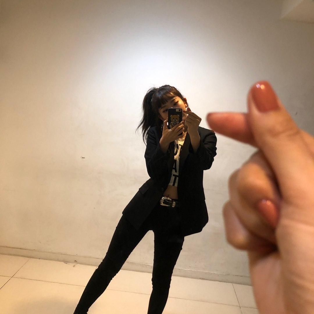 Red Velvet澀琪說,平時肌肉結實,不容易長胖,在節目中她說自己的減肥祕訣是皮拉提斯,她說做普拉提的話,身材曲線真的會變好,可以流很多汗,感覺很好,好身材也吸引了粉絲們的目光。