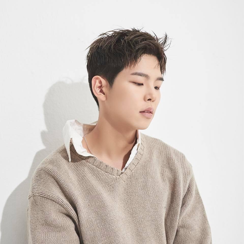 在10月29日發行了新單曲的Paul Kim,新曲《Me After You》和IZ*ONE的專輯同天發行,並沒有因此失去關注,在韓國八大音源榜皆佔據冠軍的好成績。