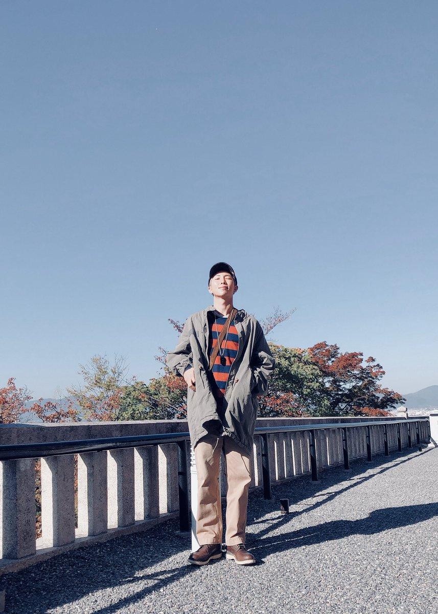 想要拍出「人生照片」不難,大家快跟著RM一起這樣做,每次出遊都拍出美美的照片吧! 翻譯自:Dispatch