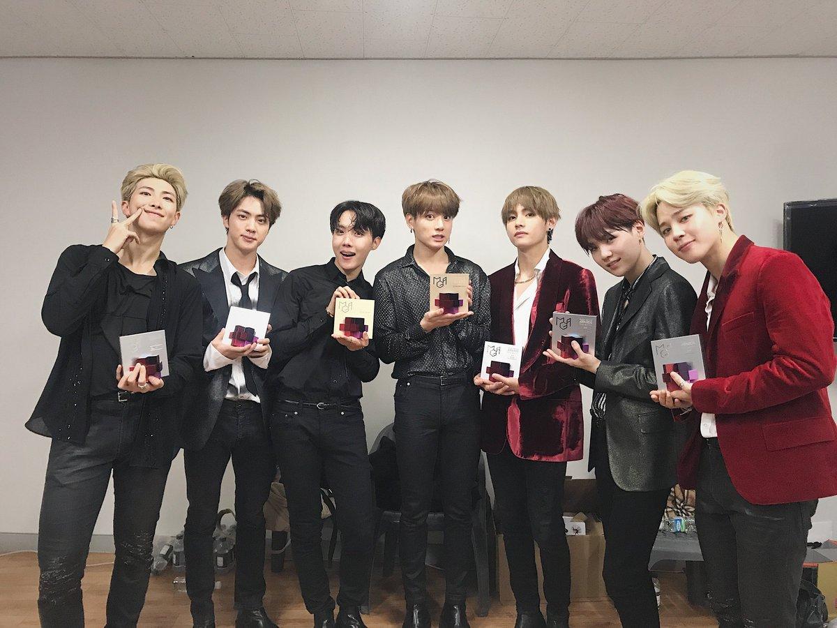 今年MBC PLUS X Genie Music Awards(簡稱MGA)在6日落幕,儘管頒獎典禮已經結束,話題依然持續熱燒,這次的大贏家果然不負所望的屬於防彈少年團,拿下年度高手、專輯、最佳男團、人氣等多座大獎!