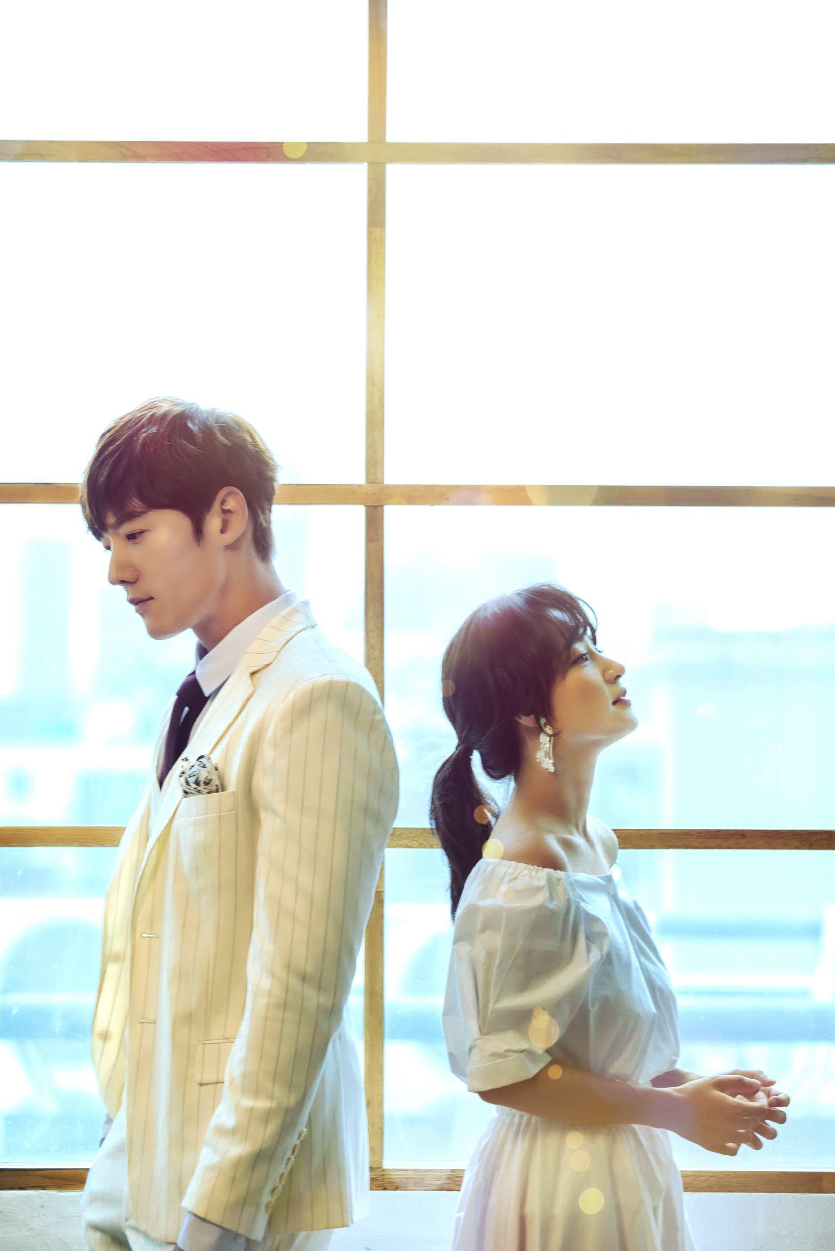 更是在今年話題度超高的韓劇《馬成的喜悅》中首次擔任女一~真的是超替她高興的~在戲裡更是美貌直線上升!說她是JYP演員的當家花旦也不誇張~