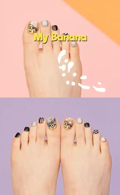 My Banana(腳趾甲貼)  這次聯名的腳趾系列都是讓Minions在大拇指上玩耍,其餘的腳趾頭們則以簡單的造型作陪襯,而這款就是點點控的愛啦~黑白的搭配就推薦給不想要太高調又還是想有點造型的妳囉!