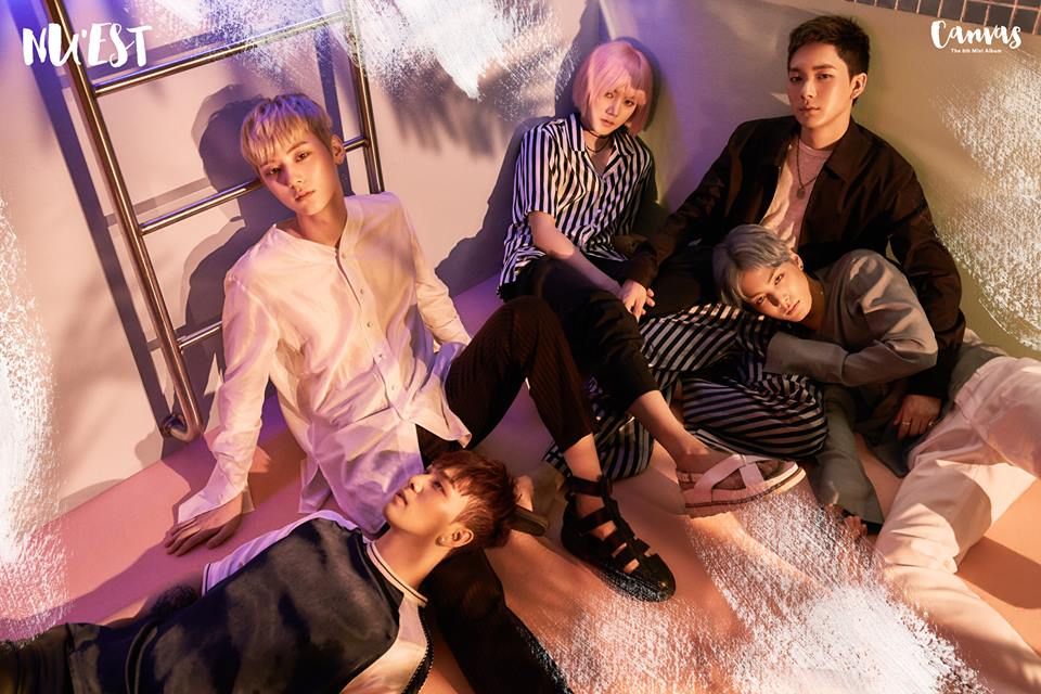 #NU'EST 和EXO、AOA同一年,在2012年3月出道的NU'EST,先前JR、白虎、旼炫及Ren 4名成員在參加了《PRODUCE 101 第二季》後,人氣水漲船高,其中黃旼炫最終以第9名之姿進入限定組合「Wanna One」,年底Wanna One合約結束後,能不能看到完全體的NU'EST令人相當期待!因先前在日本活動的時間還比在韓國長,合約到期時間也可能有變數。