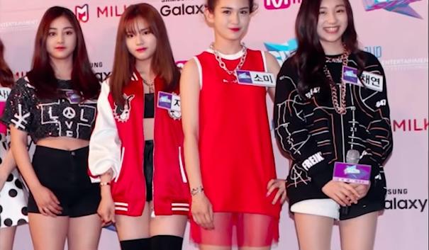 網路上流傳著《SIXTEEN》當時的照片,志效、池原、Somi、彩讌站在一起,現在都成功的成為了不同女團的成員