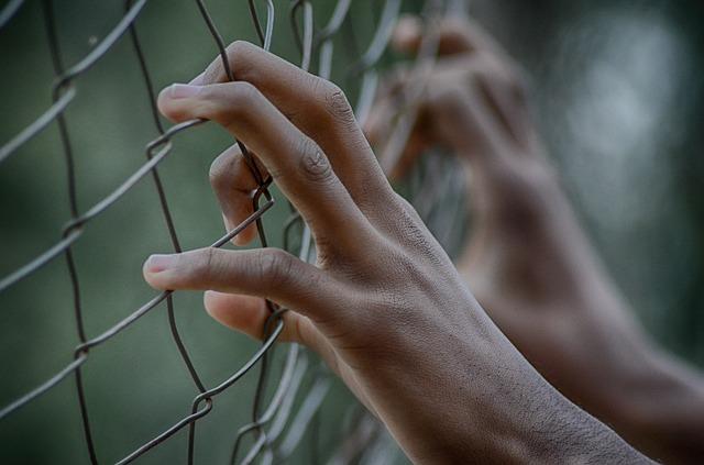 「因為詆毀爸爸的外貌而生氣」警方考慮申請拘留令。 對中學生施暴致死的4名10多歲青少年被警方認定有罪。
