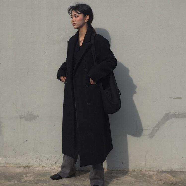 大衣這款吼,沒試穿真的不知道在自己身上會長什麼樣,尤其是看到韓國網拍上就一堆麻豆穿起來超美又價格實惠的大衣!逼得小編每次都選擇障礙大發最後還是卡刷下去,然後拿到貨心血來潮地穿上就...就不是我看到的那樣啊QAQ 為避免再有更多人遇害,摩登少女今天決定整理出網購大衣時必須注意的各個小細節,希望能在這條冤枉路上讓大家少吐點血...