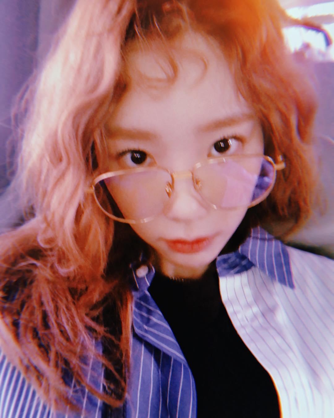 NO.8 少女時代 太妍 追蹤人數:12.8m  在少女時代裡擔任隊長和主唱,出道前太妍受到同公司前輩BoA影響,一直期許自己能成為像BoA這樣的全方位歌手,在多年的努力之下歌唱實力受到許多大咖肯定,JYP朴軫永曾把太妍選為「最想幫她製作專輯的歌手」是SM裡出名的實力派偶像歌手,每每solo都能創造話題和獲得好成績。