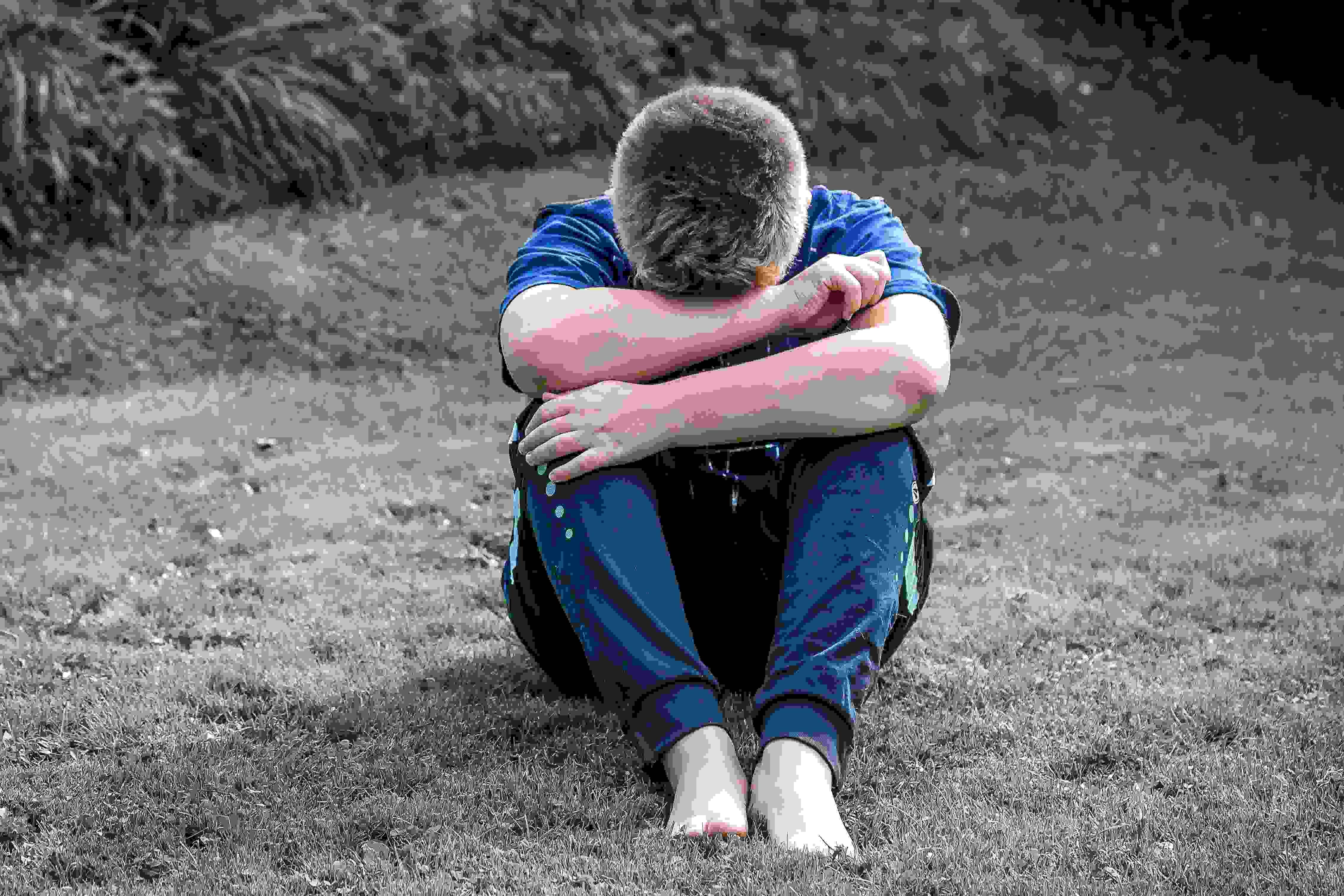 霸凌的加害者給了別人一輩子的傷口,卻沒事的繼續過著自己的人生,如果我是被害者,應該不會考慮那麼多,就算利用父母也要讓他無法待在那個職場! 把當初受到的痛苦原封不動地回給他! 大家怎麼想的呢~