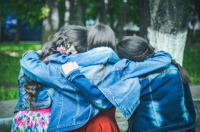 最近有韓國網友在網路上分享了她和朋友出去時發生的事,表示就算是8年的友誼,她可能也維持不下去了,都是因為幾張照片的關係