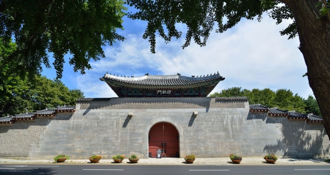 從12月6日開始從東西南北方向都可以進入景福宮了,景福宮的西門迎秋門將在睽違43年後再次開放。