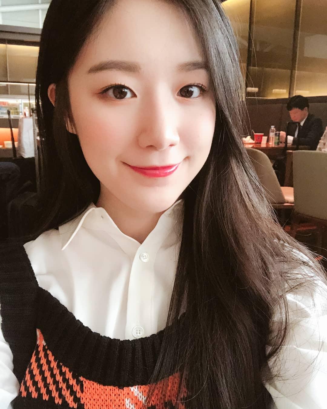 想必大家都知道在韓國出道成為偶像是一件很不容易的事情,尤其對於外國人來說更是特別辛苦!要適應陌生的國家、學習新的語言,對於離鄉背井的外籍成員們來說一定是個艱難的過程呀~