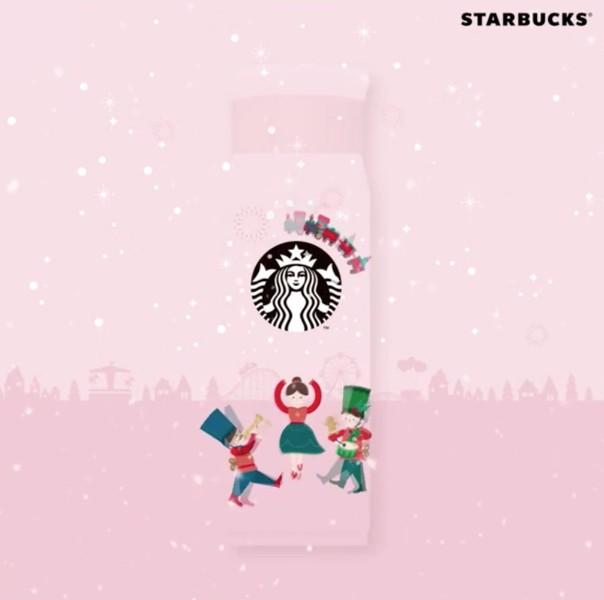 兩款杯子都加上了白雪作裝飾,看上去讓人聯想起浪漫的白色聖誕。雖然價格還沒有公開,不過作為星巴克杯子迷多少錢也絕對要把這兩款收集起來啦!除了這兩款,星巴克在SNS上也表示會再有新產品推出。是不是很期待啊~~~