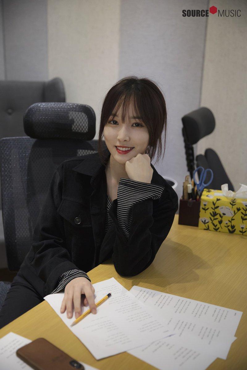 然而,經紀公司Source Music對此卻只出面強調:「Yuju的人身安全沒有任何問題,從12月開始就會恢復正常活動」甚至還表示:「Yuju只不過是沒參加一兩個行程而已,似乎太小題大作了。」