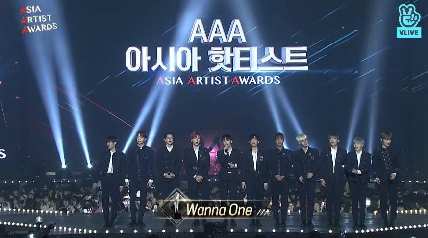 Wanna One 在第一部先是獲得了 Asia Hottest 的獎項,也為第一部結尾帶來<Light>、<BOOMERANG>的舞台表演