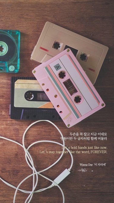 再來就是韓文字啦!就算看不懂也不用怕,配上復古的濾鏡看起來非常有一番風味啊~不過編個人倒是很喜歡Wanna One的歌詞呢XD