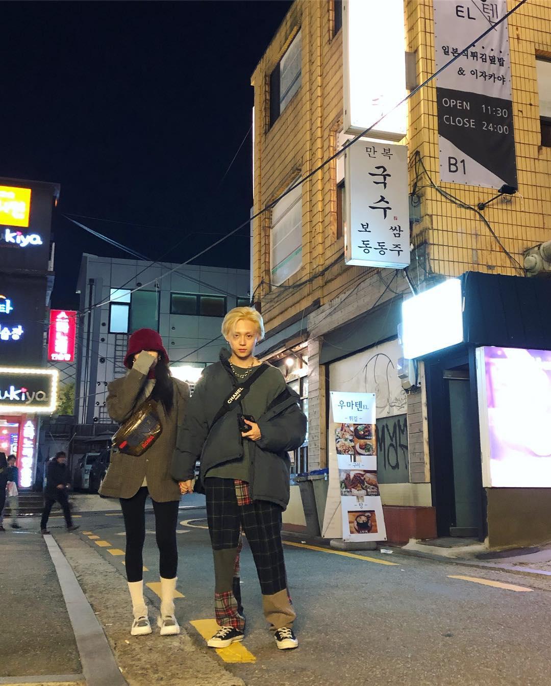 話題情侶檔泫雅及E'Dawn自從離開CUBE之後愛的大方,常常可以在兩人的IG看見他們分享日常生活的模樣。