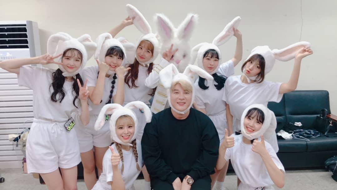 今年10月剛出道的新人女團Pink Fantasy,出道曲《iriwa》還是由Super Junior 成員神童為作詞作曲並親自執導MV的。